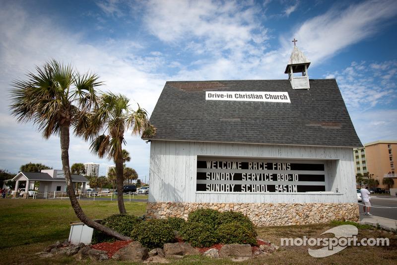 The drive-in Church in Daytona