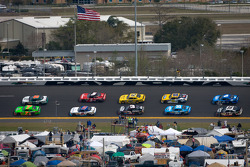Danica Patrick, JR Motorsports Chevrolet leads the field on pace laps