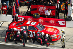 Pit stop for Mike Wallace, JD Motorsports Chevrolet