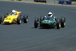 #121 Alex Morton - Lotus 21 (1961) and #25 Patrick Dunseith - Merlyn Formula Ford