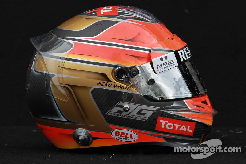 Romain Grosjean, Lotus Renault F1 Team helm