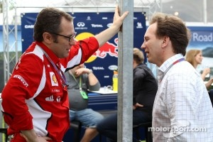 Stefano Domenicali, Scuderia Ferrari Sporting Director and Christian Horner, Red Bull Racing, Sporting Director