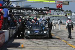 #10 Wayne Taylor Racing Cadillac DPi: Ricky Taylor, Jordan Taylor, Alex Lynn