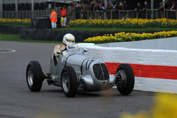 Трофей Варци: Шон Данахер, Maserati 6CM