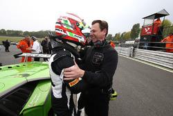 Polesitter Mirko Bortolotti, GRT Grasser Racing Team, mit Gottfried Grasser, Teambesitzer