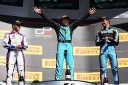 Подіум: переможець Арджун Майні (Jenzer), другий призер Доріан Бокколаччі (Trident), третій призер Алессіо Лоранді (Jenzer)