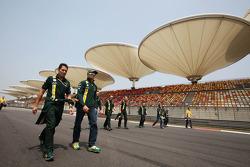 Heikki Kovalainen, Caterham walks the circuit