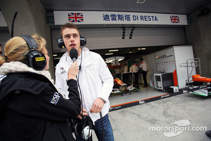 Jenny Gow, BBC Radio 5 Live Pitlane Reporter with Paul di Resta, Sahara Force India F1