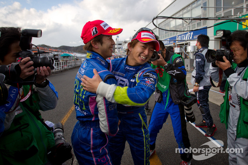GT500 pole winnaars Yuji Tachikawa en Kohei Hirate