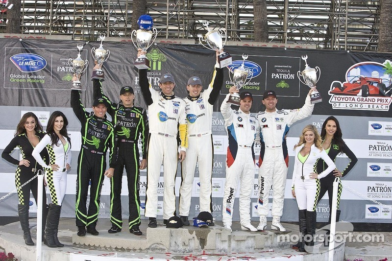 ALMS GT podium: winners Oliver Gavin, Tom Milner, second place Joey Hand, Dirk Muller, third place Scott Sharp, Johannes van Overbeek