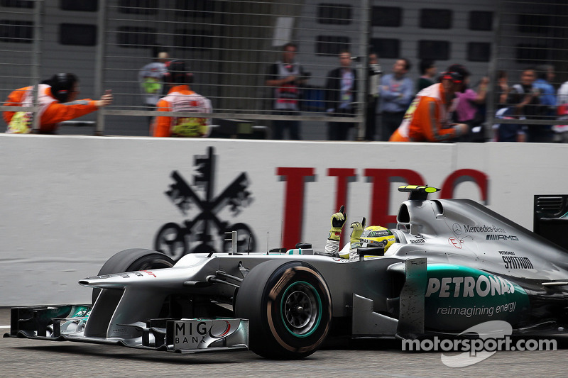 Race winner Nico Rosberg, Mercedes AMG F1 celebrates at the end of the race