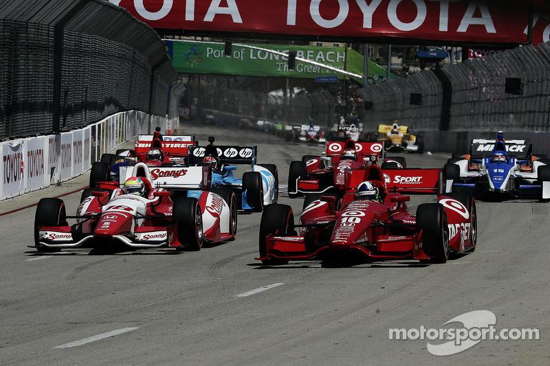 Start: Dario Franchitti, Target Chip Ganassi Racing Honda leads