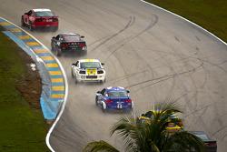 #52 Rehagen Racing Ford Mustang GT: Dean Martin, Bob Michaelian leads a group of cars