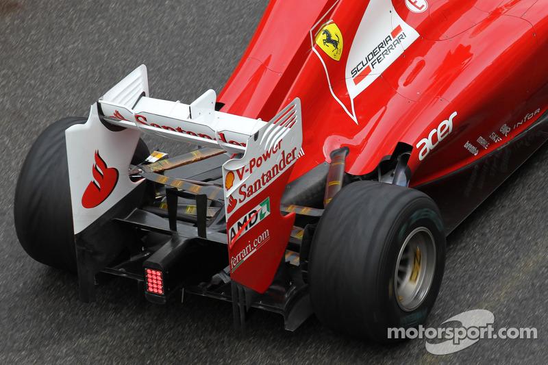Fernando Alonso, Scuderia Ferrari achtervleugel en uitlaat
