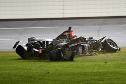 Josef Newgarden, Team Penske Chevrolet crash