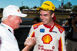 1. Scott McLaughlin, Team Penske Ford, mit Dick Johnson