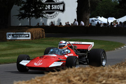 Derek Bell Surtees TS7