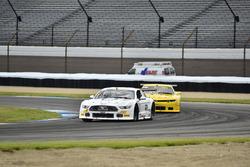 #60 TA2 Ford Mustang, Tim Gray, #97 TA2 Chevrolet Camaro, Tom Sheehan, Damon Racing