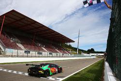 #33 Barwell Motorsport Lamborghini Huracan GT3: Jon Minshaw, Phil Keen takes the win