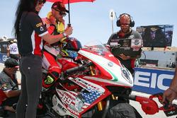 Leon Camier, MV Agusta, Nicky Hayden renk düzeni