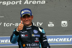 Podyum: Yarış galibi Gianni Morbidelli, West Coast Racing, Volkswagen Golf GTi TCR