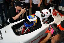 David Saelens, pilote de la biplace F1 Experiences avec l'acteur Owen Wilson