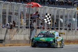 Felipe Fraga vence corrida 1 em Curvelo
