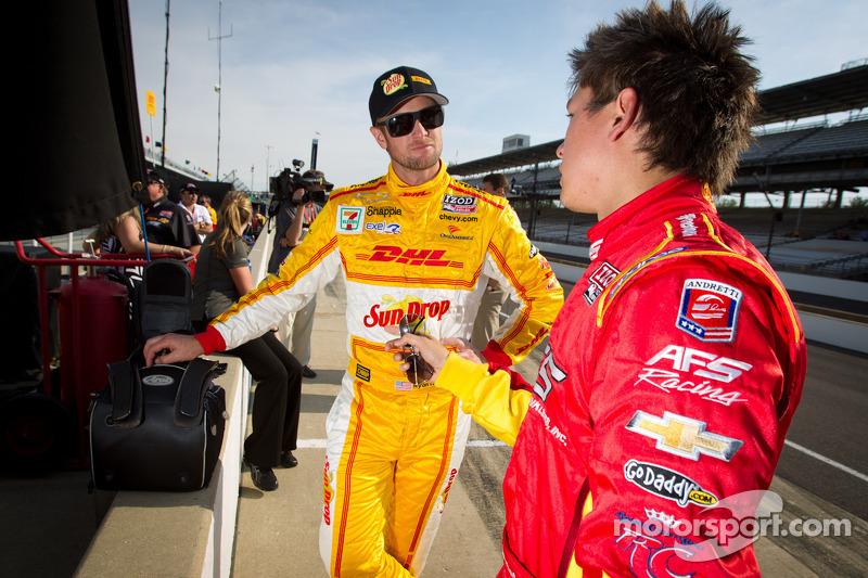 Ryan Hunter-Reay, Andretti Autosport Chevrolet en Sebastian Saavedra, AFS Racing/Andretti Autosport Chevrolet
