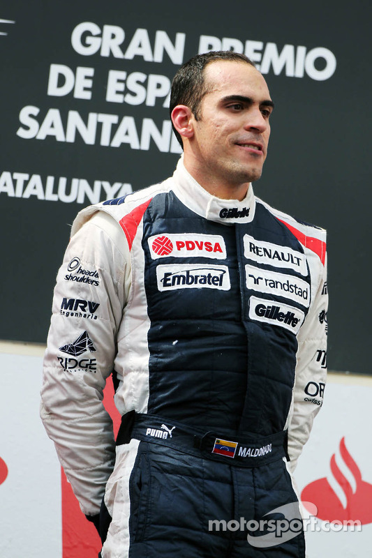 Ganador de la carrera Pastor Maldonado, Williams F1 Team en el podio