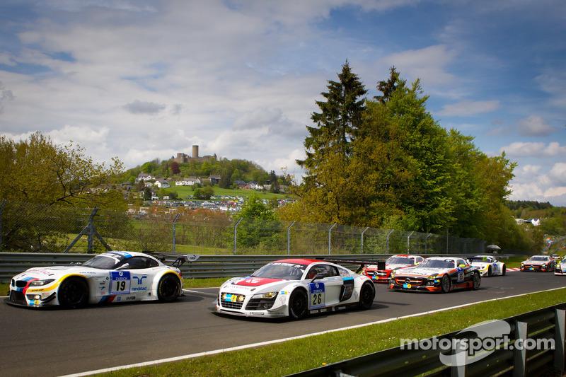 Formatieronde: #19 BMW Team Schubert BMW Z4 GT3: Jörg Müller, Dirk Müller, Uwe Alzen, Dirk Adorf and #26 Mamerow Racing Audi R8 LMS Ultra: Chris Mamerow, Christian Abt, Michael Ammermüller, Armin Hahne aan de leiding