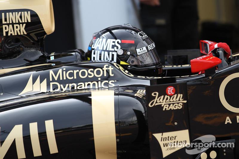 Kimi Raikkonen, Lotus F1 wearing a James Hunt helmet