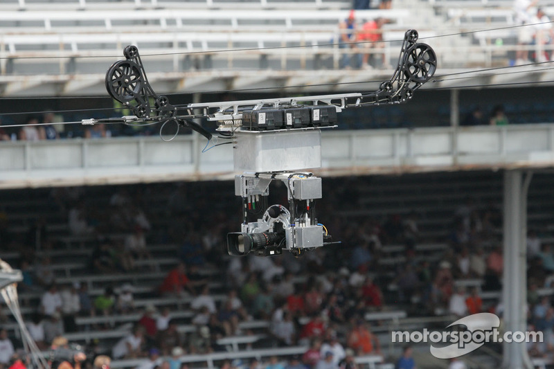 Remote camera runnning along the front straight