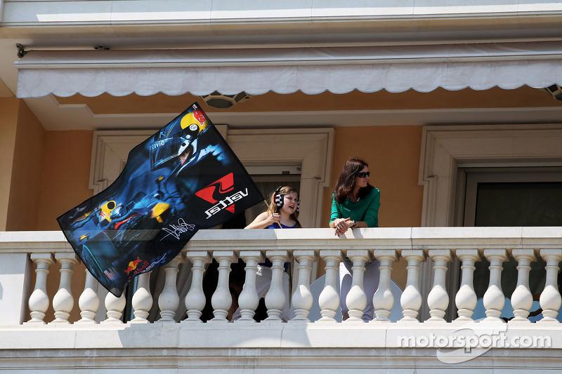Fans op balkon appartement