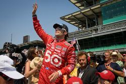 Race winner Dario Franchitti, Target Chip Ganassi Racing Honda heads for the victory lap