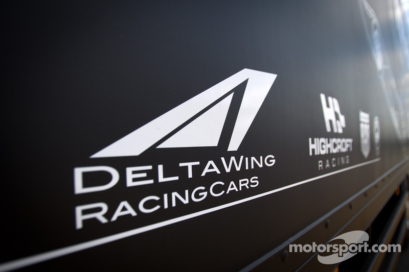 Highcroft Racing Delta Wing Nissan transporter