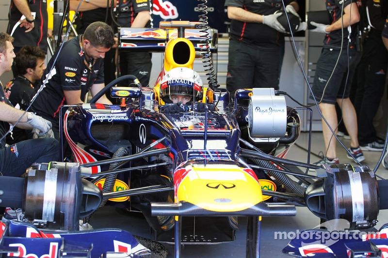 Sebastian Vettel, Red Bull Racing in de pits