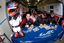 Autograph session: Christian Zugel, Ricardo Gonzalez and Elton Julian