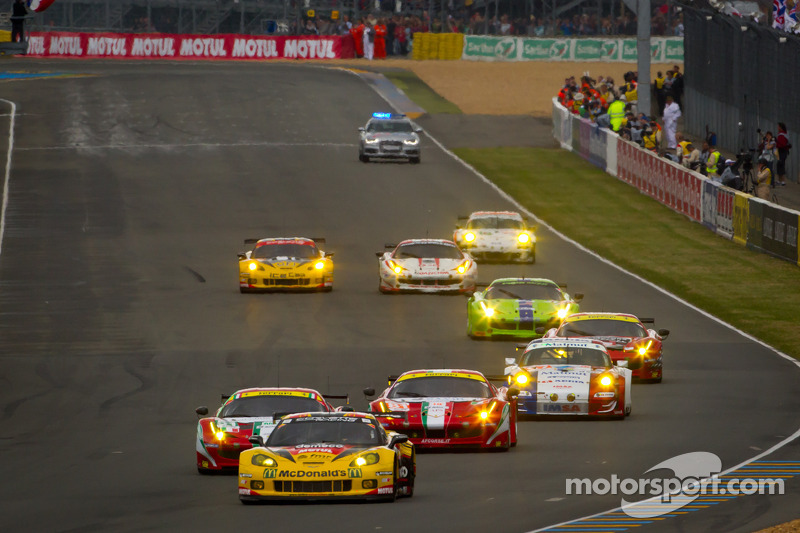 Start: #50 Larbre Competition Chevrolet Corvette C6 ZR1: Patrick Bornhauser, Julien Canal, Pedro Lamy