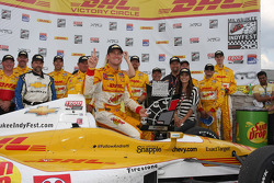 Winners circle: Ryan Hunter-Reay, Andretti Autosport Chevrolet