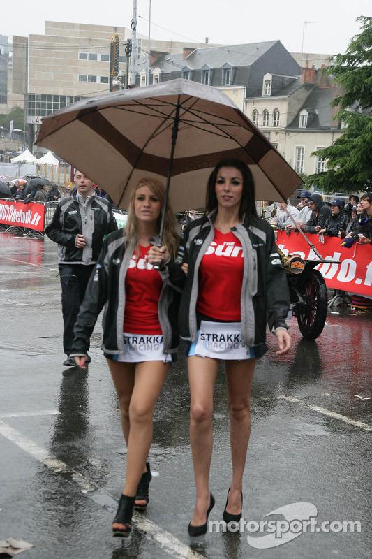 Strakka Racing Girls