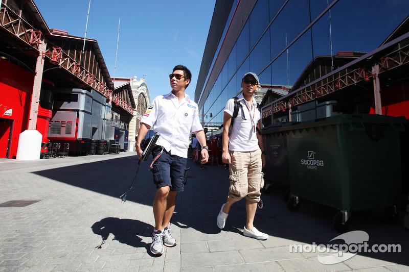 Kamui Kobayashi, Sauber in the paddock