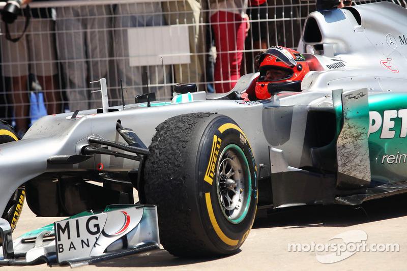 Michael Schumacher, Mercedes AMG F1 celebra su tercera posición en parc ferme