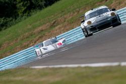 #44 Magnus Racing Porsche GT3: Andy Lally, Patrick Long, John Potter