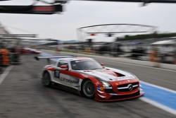 #18 Black Falcon Mercedes-Benz SLS AMG GT3: Bret Curtis, Jeroen Bleekemolen, Steve Jans