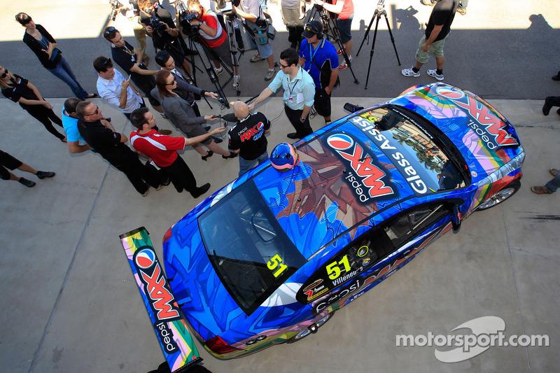Jacques Villeneuve onthult de Kelly Racing kleuren