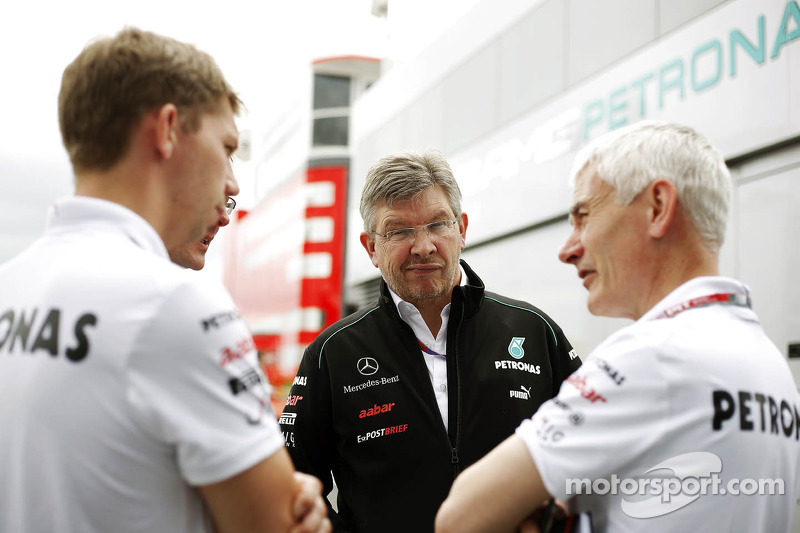 Ross Brawn, Mercedes Mercedes AMG F1 Team Principal, en Geoff Willis, Hispania Racing F1 Team, Technology Director