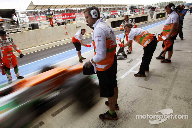 Sahara Force India F1 Team mecaniciens