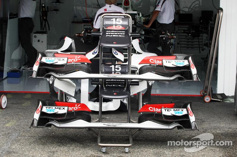 Sauber C31 front wings