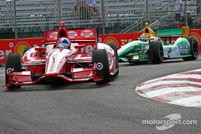 Dario Franchitti, Target Chip Ganassi Racing Honda and Simona de Silvestro, HVM Racing Lotus