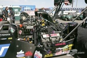 Top fuel engine detail